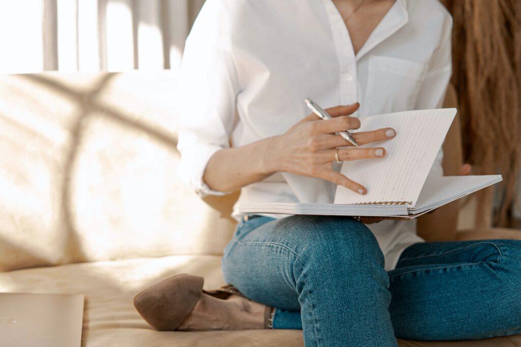 Copywriter for interior designers